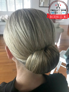simple roll upstyle after five cocktail special occasion styling chelley bean mobile hairdressing brisbane mobile hairdresser